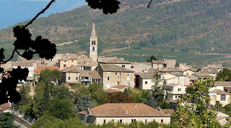 Village de vallon pont d 39 arc vallon tourisme - Chambre d hote ardeche vallon pont d arc ...