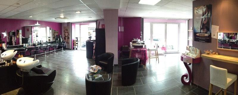 Beauty house salon de coiffure et d 39 esth tique vallon - Decoration salon de coiffure et d esthetique ...