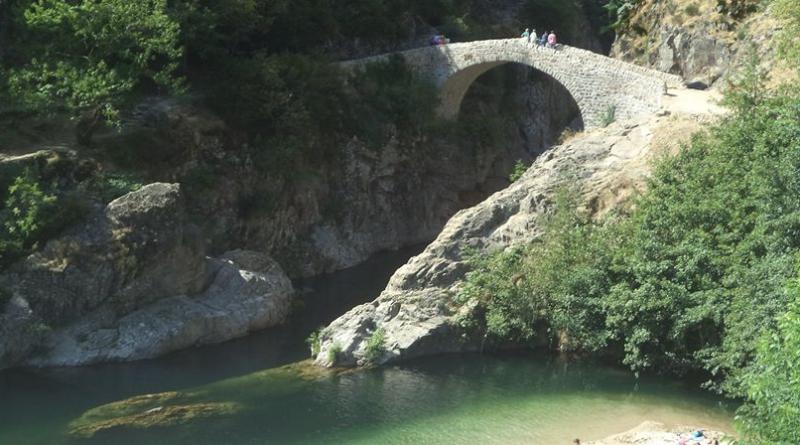 Pont-du-diable-ardeche-vallontourisme