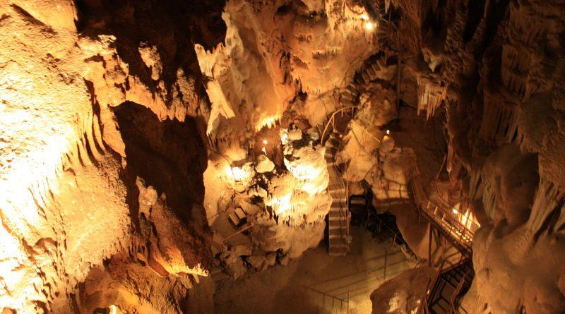 Aven Marzal – Une Grotte, un Zoo Préhistorique et un Musée